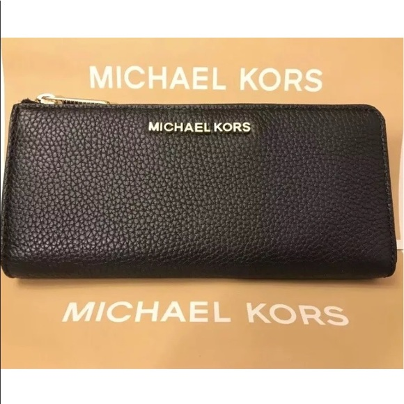 c28f6cec3b5c NWT MICHAEL KORS BEDFORD THREE QUARTER ZIP WALLET